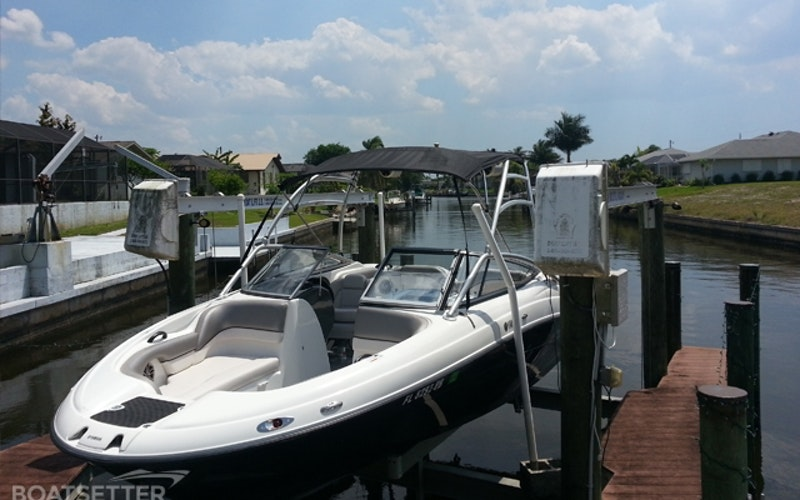 Fort Myers Beach Boat Rental - Yamaha AR210