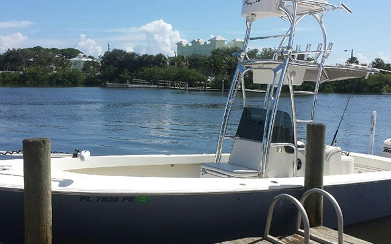 Daytona Beach Boat Rental - Dorado 25 feet