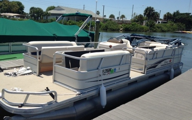New Smyrna Beach Boat Rental - Suntracker Pontoon Boat