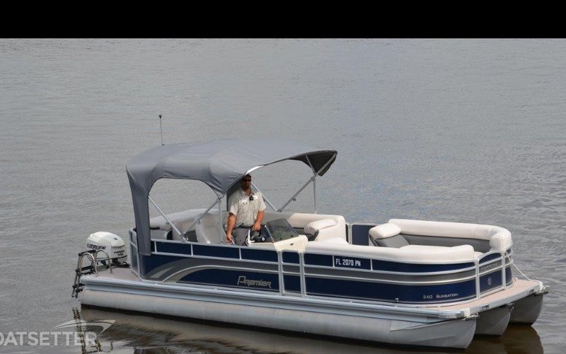 Fort Myers Beach Boat Rental - 24ft Premier Tritoon