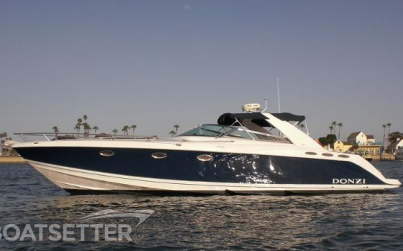 Newport Beach Boat Rental - Donzi 39 ZSC Express Cruiser